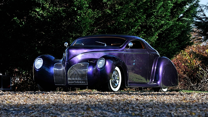 A Blue Oval Authentic 1939 Lincoln Zephyr Street Rod