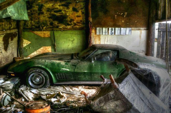 Killer 72 Corvette Sting Ray Found In Kentucky Barn