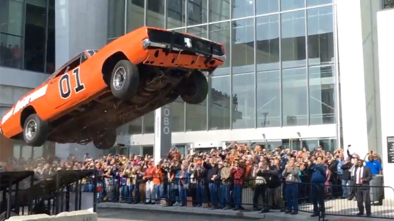1969 Dodge Charger  U0026quot General Lee U0026quot  Clone 25ft Jump At