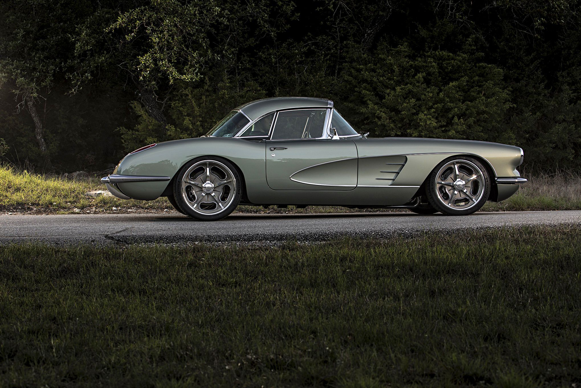 This Corvette C1 Restomod Is Ridiculously Beautiful